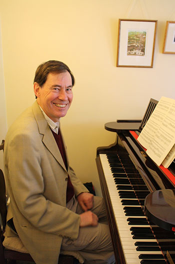 Image of Andrew Leach - piano